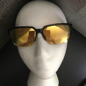 NWOT Gucci GG 3710/S S39/ET